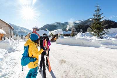 zurück von einer Skitour und ab ins Gasthaus den Hunger stillen!